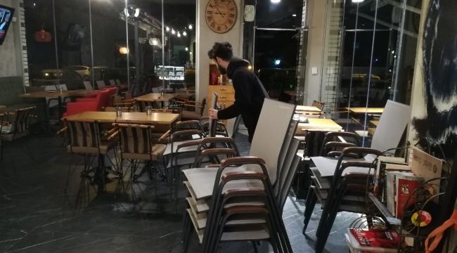 İzmir'de mekanlar boş kaldı