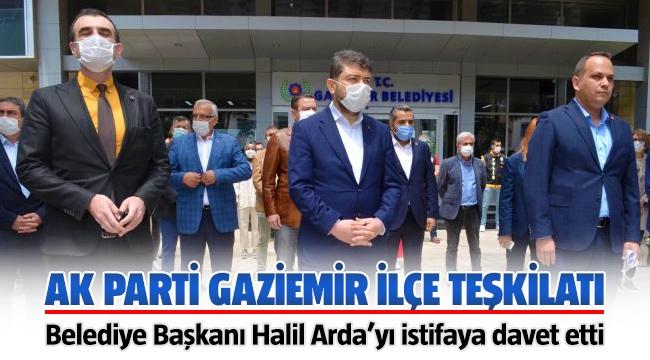 AK Parti'den belediye binası önünde CHP'li Başkan'a 'istifa' çağrısı!