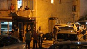 İzmir'de hareketli saatler: İntihar etmek isteyen şahıs 3 saatte ikna oldu