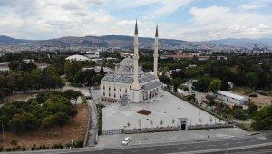 İzmir'de yarın 889 yerde cuma namazı kılınacak