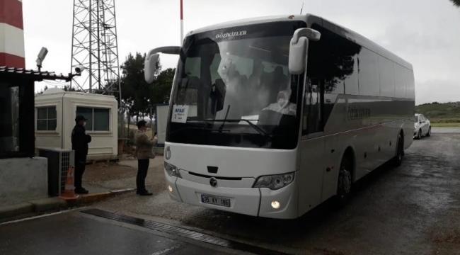 Suudi Arabistan'dan gelen 169 Türk vatandaşı İzmir'e indi