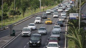 Yasak bitti İzmir'de trafik yoğunluğu başladı