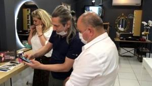 İzmirlli gönüllüler, kanser hastalarına saçlarını bağışladı