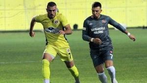 Menemenspor'da Mustafa gitti