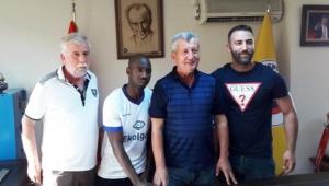Menemenspor Nijeryalı Bulbwa'yı aldı