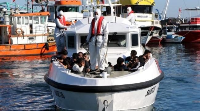İzmir Dikili ve Karaburun açıklarında 82 sığınmacı kurtarıldı