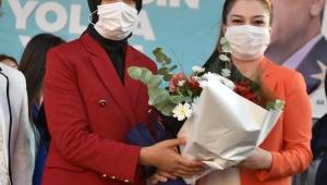 AK Parti'de İlçe Kadın Kolları kongresi Aliağa ile başladı Mevcut Başkan Yıldırım, yeniden seçildi