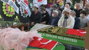 Aydın Efele'de ki trafik kazasında hayatını kaybeden Anne Kız son yolculuğuna uğurlandı