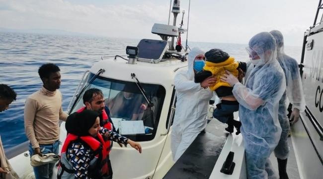 İzmir Dikili'de Yunan unsurları tarafından geri itilen 78 düzensiz göçmen kurtarıldı