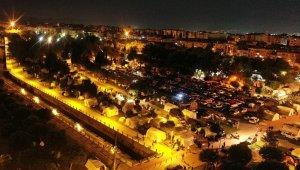İzmir'de çadır kent genişletiliyor