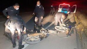 Motorlar hırsızı 2 genç çaldıkları motorlarla polisten kaçamadı