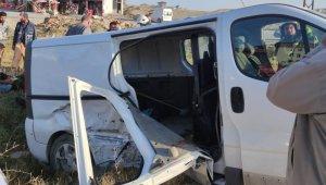 Tuşba'da trafik kazası: 2 yaralı