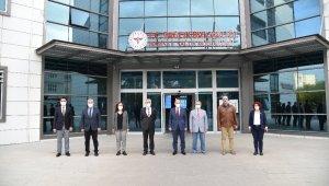 Vali Karadeniz'den 'Zorunlu haller dışında dışarı çıkmayın' uyarısı
