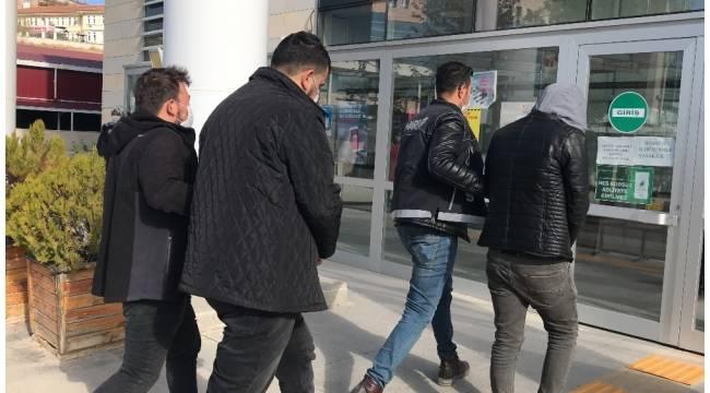 10 kilo uyuşturucu ile yakalanan şüpheliler tutuklandı