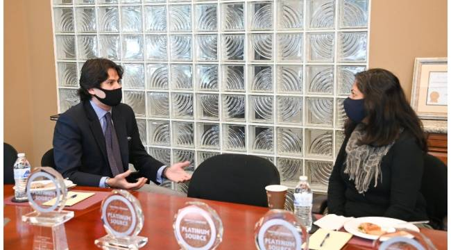 ABD'de Irvine kentinin ilk Müslüman Belediye Başkanı Khan Türkler ile buluştu