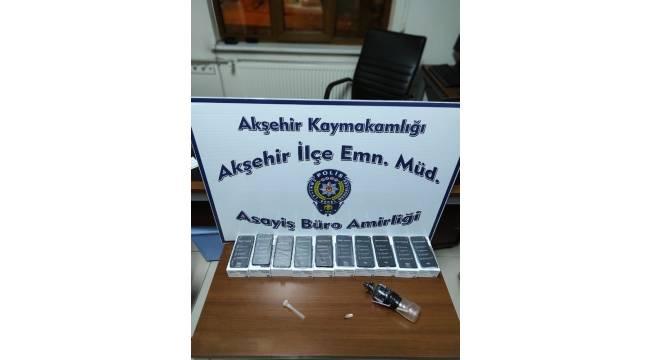 Akşehir'de kaçak cep telefonu ele geçirildi