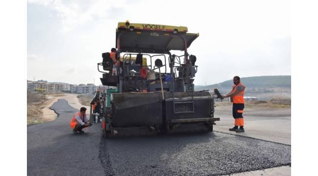 Aliağa'da asfalt çalışmaları devam ediyor