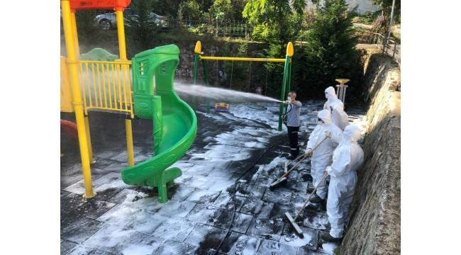 Altınordu Belediyesi'nden park ve çocuk oyun gruplarında kapsamlı temizlik