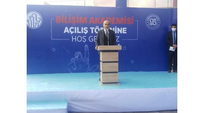 Arnavutköy'de bilişim ve teknoloji alanında önemli adım