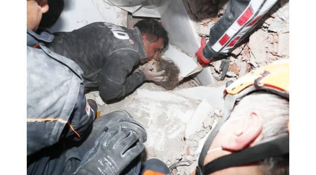 Ayda Bebek 91 saat sonra enkazdan sağ çıkarıldı - GÜNDEM - Menemen Haber Menemen Gazetesi