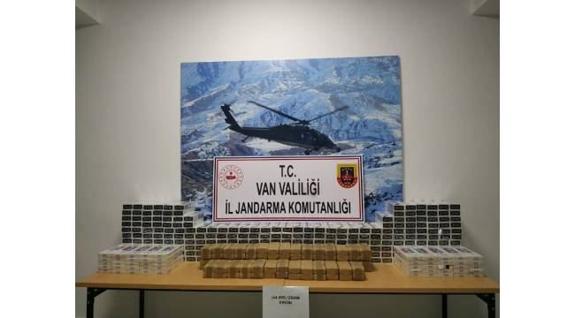 Başkale'de ağıllara saklanan 44 kilo eroin ele geçirildi