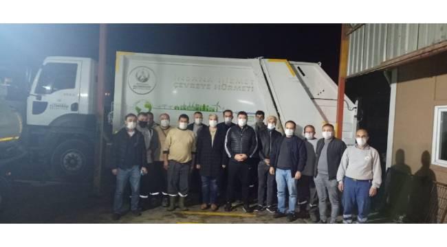 Başkan Tören'den temizlik işçilerine gece ziyareti