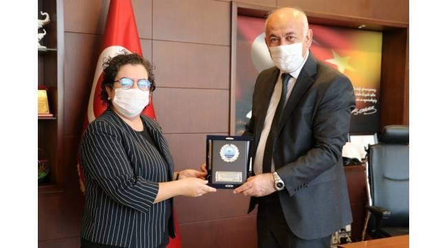Başkan Tuncel'den, Dekan Genç'e teşekkür