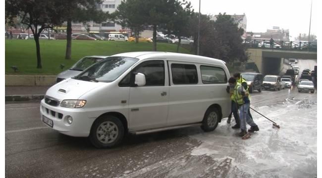 Bursa'da araçlar yollarda dans etti