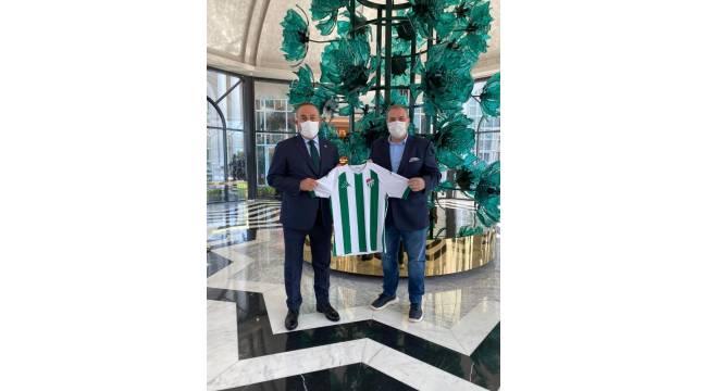 Bursaspor Kulübü Başkanı Erkan Kamat, Dışişleri Bakanı Mevlüt Çavuşoğlu ile görüştü