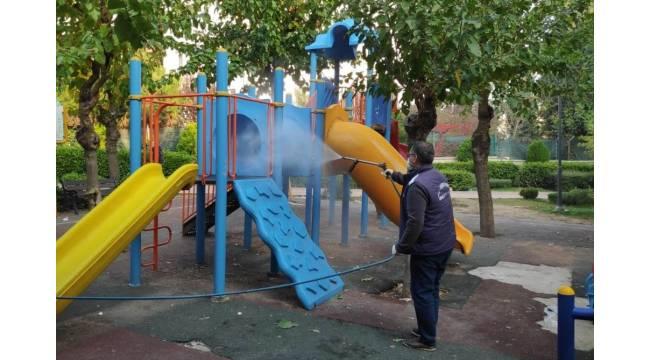 Dezenfeksiyon uygulamasında çocuk oyun grupları da unutulmuyor