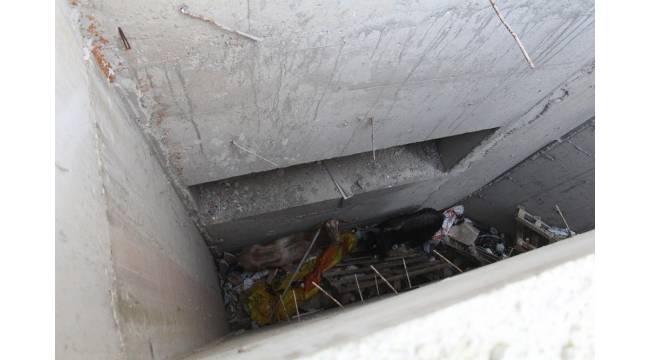 Drenaj kanalına düşen 2 keçiyi itfaiye ekipleri kurtardı