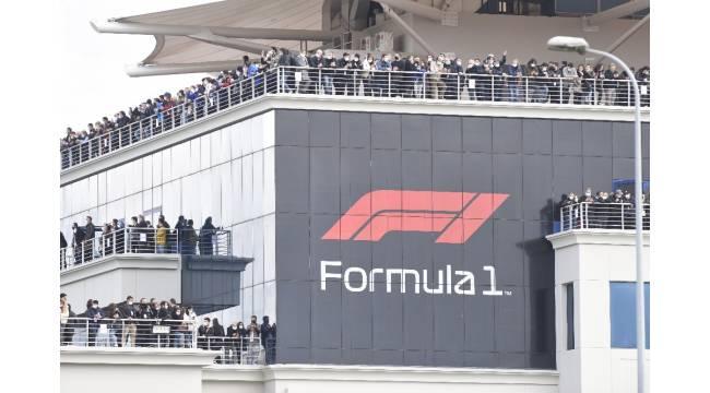 Formula 1'de balkonlar tıklım tıklım!