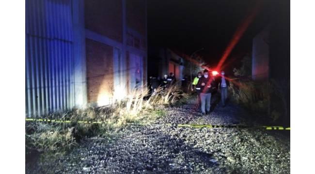 Gediz'de eski fabrika arazisinde erkek cesedi bulundu