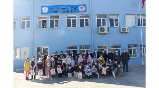 Kahta'da 2 bin öğrenciye kaynak kitap desteği