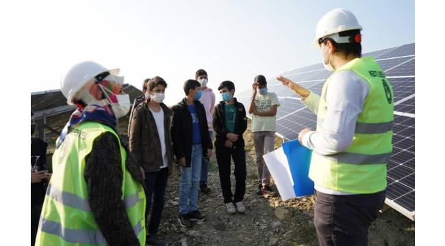 Kestel Belediyesi, güneş enerji santralinin kapılarını öğrencilere açtı