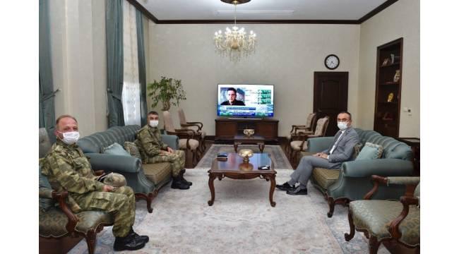 Komutanlardan Vali Soytürk'e ziyaret
