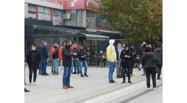 Kosova'da yeni Covid-19 tedbirleri protesto edildi