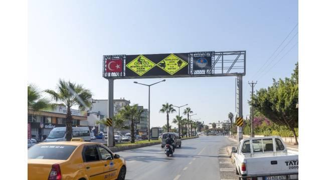 Mersin'de bisiklet sürücüleri için levha düzenlemesi