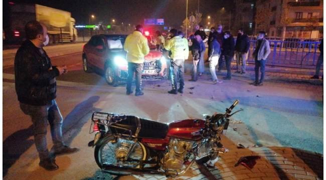 Motosiklet ile otomobil kafa kafaya çarpıştı: 1 ağır yaralı