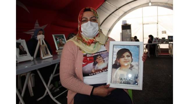 Oğlunu askere gönderecek olan acılı anne dağdaki kızına kardeş katili olma çağrısı yaptı