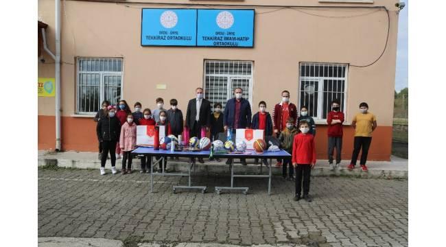 Okullara spor malzemesi desteği devam ediyor