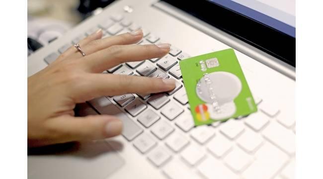 Pandemide internetten ve temassız alışveriş arttı