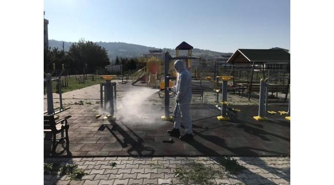 Parklar çocuklar için dezenfekte ediliyor