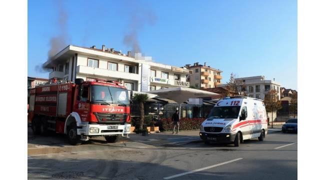 Sakarya'da kafeteryada çıkan yangın paniğe sebep oldu