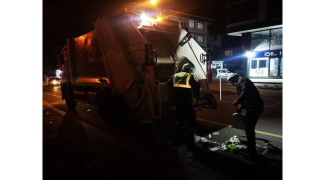 Semt pazarlarında gece temizliği