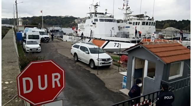 Sinop'ta içerisinde 112 kişi olduğu belirlenen kaçak göçmen teknesi yakalandı. Tekne Sahil Güvenlik tarafından Sinop Limanı'na çekildi.