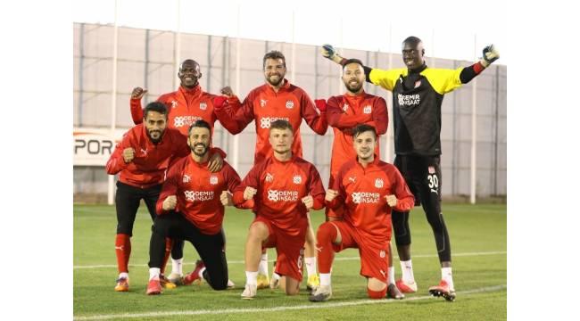 Sivasspor, günü çift idmanla tamamladı
