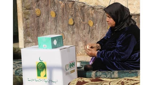 Suriye'de 8 bin adet gıda kolisi dağıtıldı