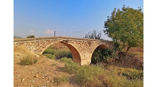 Tarihi Danışman Köprüsü yıllara meydan okuyor