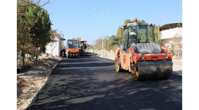 Ula'da sıcak asfalt çalışmaları devam ediyor